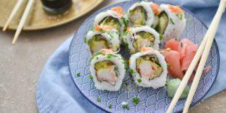 Sushi z paluszkami krabowymi i serkiem Haga