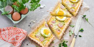 Tarta z jajkiem i białą kiełbasą